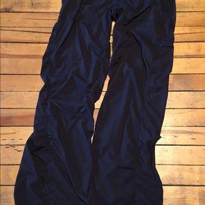 Lululemon studio pants 6 black inseam 34